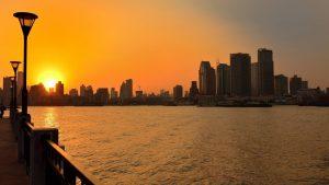 上海単身赴任、27階のマンションの窓にXXXが・・・!引越しを決めた理由